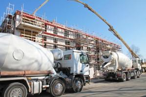 QUADRIGA Betonverschleißteile aus Polyurethan D44 als Misch- und Förderwerkzeuge für abrasive Schüttgüter