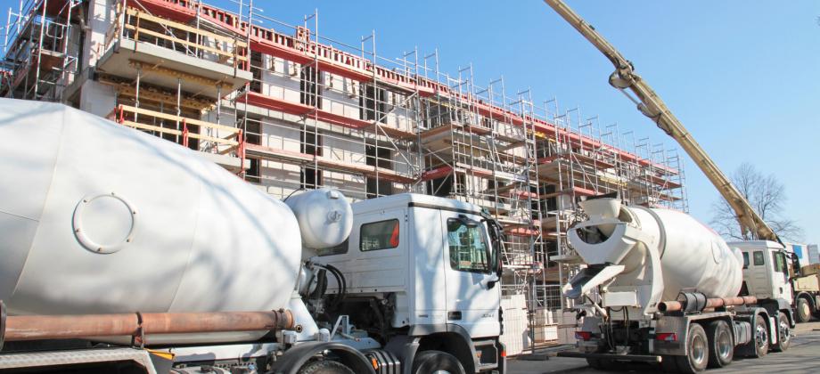 Mit hochwertigen Polyurethan-Produkten von QUADRIGA unterstützen wir den gesamten Beton-Verarbeitungsprozess mit Verschleißteilen, Misch- und Förderwerkzeugen für abrasive Schüttgüter, Beschichtungen von Misch- und Siebanlagen und vielen weiteren PUR-Auskleidungen