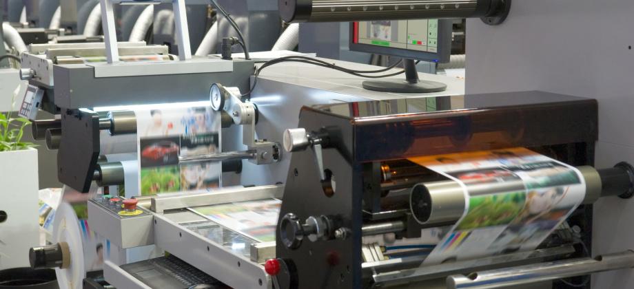 Polyurethan-Transportrollen und Druckwalzen mit geringem Abrieb, nahezu verschleißfreien Rakelstreifen und vielen weiteren Zukaufteilen von QUADRIGA aus Polyurethan und Vulkollan® unterstützen die Druckindustrie